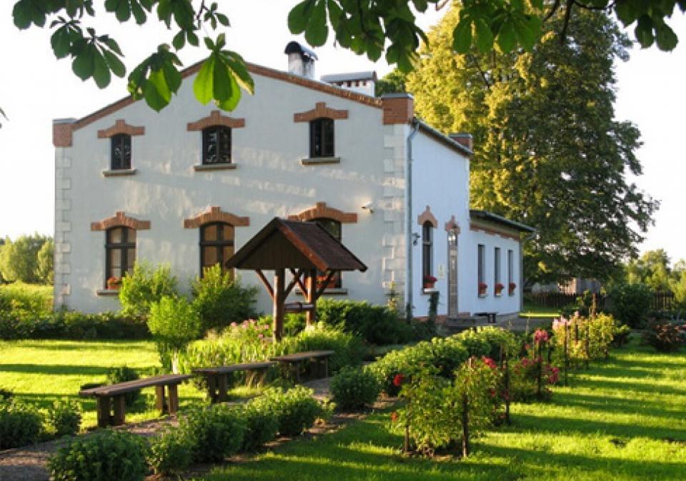 Martyno Jankaus muziejus ir Mažosios Lietuvos paveikslų sodas